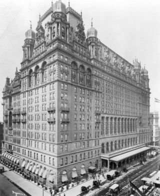 The Waldorf-Astoria Hotel on 5th Avenue in New York