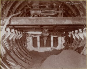 East River tunnel construction